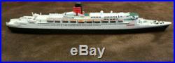 MERCATOR M-921 QUEEN ELIZABETH II BLACK HULL (1996) 11250 SCALE MODEL SHIP